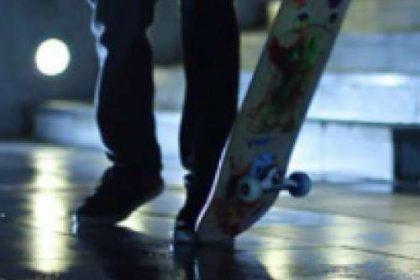 ivan malz surfeando en la ciudad